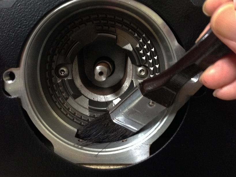 コーヒーグラインダー 刷毛清掃