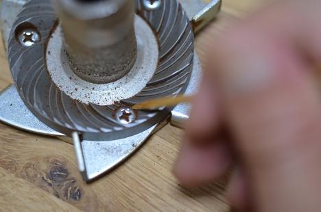 フジローヤルコーヒーミル-みるっこDX-R-220-30-分解清掃-クシ掃除