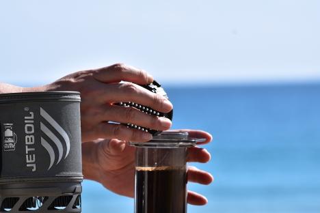 アウトドアコーヒー-多々戸浜-2015秋-06 エアロプレス フィルター