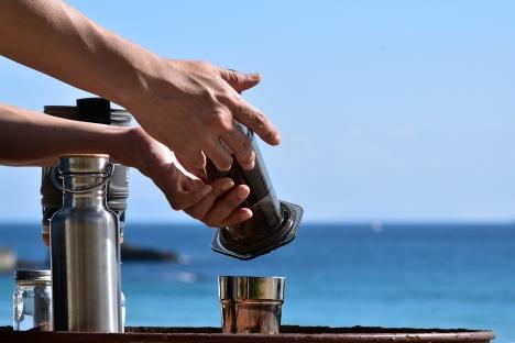 アウトドアコーヒー-多々戸浜-2015秋-10 エアロプレス インバート